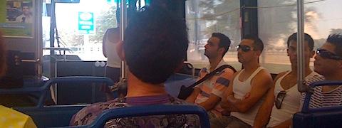 Latino frajerji na busu